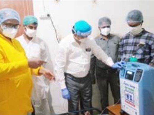 Mukti Supported The Covid Patients Of Mandirtala By Providing Oxygen Concentrators