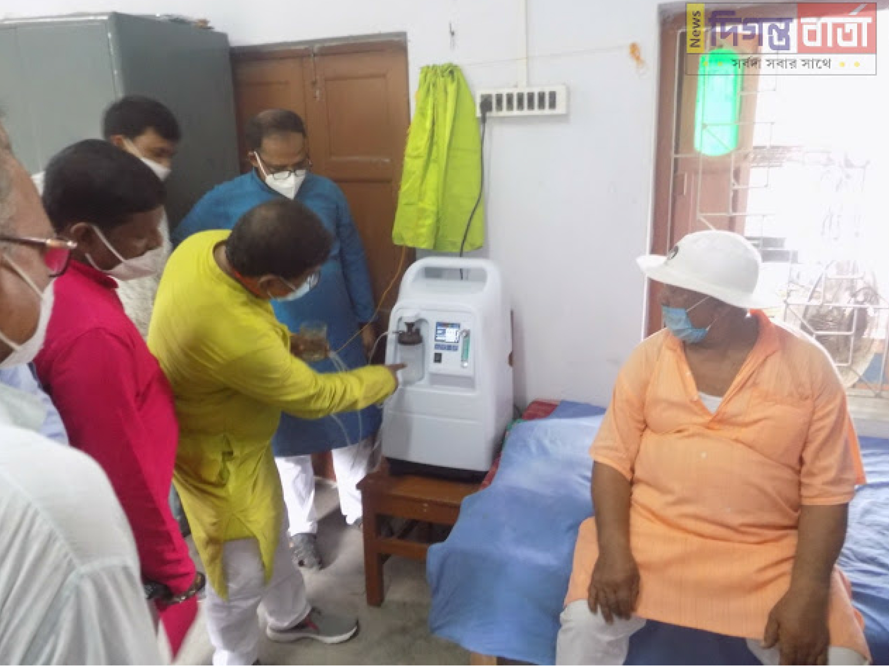 Mukti Provided Oxygen Concentrator On The Inauguration Of Free Oxygen Parlor At Mathurapur